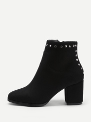 http://fr.shein.com/Studded-Detail-Chelsea-Ankle-Boots-p-383630-cat-1748.html?utm_source=cj.com&utm_medium=affiliate&url_from=cj.com&ref=cj&affiliateID=4441350_2975314&ref=www&rep=dir&ret=fr