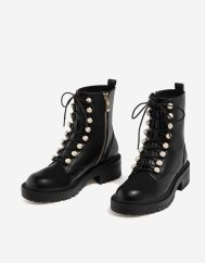 https://www.stradivarius.com/fr/femme/chaussures/bottes-et-bottines/bottines-à-lacets-perles-c1399019p300375001.html?colorId=040&zanpid=7426_1506259351_5921e19b50c5090738b6985ea25ef70b&utm_source=zanox&utm_medium=afiliacion&utm_campaign=S2015&zpar0=iA-n-csmfi9b6ru7--1553516312&zanpid=7426_1508163870_8047076ecaab67e436ad948d109d657c