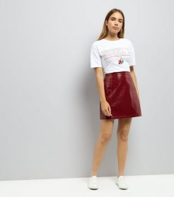 http://www.newlook.com/fr/femme/vetements/jupes/mini-jupe-en-vinyle-rouge-foncé/p/543551961?comp=PDP-Color-Swatch