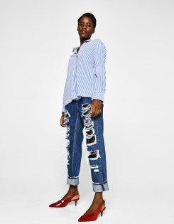 https://www.bershka.com/fr/femme/soldes/jeans/jean-mom-fit-déchiré-c1010194036p101148510.html?colorId=400