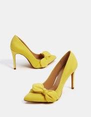 https://www.bershka.com/fr/femme/soldes/chaussures/escarpins-à-talon-fin-en-tissu-avec-nœud-c1010194021p101096439.html?colorId=090