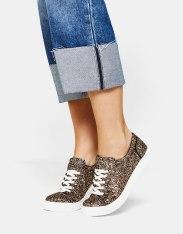 https://www.bershka.com/fr/femme/soldes/chaussures/baskets-à-lacets-paillettes-c1010194021p101096477.html?colorId=202&stylismId=01