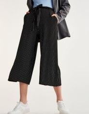 https://www.pullandbear.com/fr/femme/soldes/vêtements/pantalons/jupe-culotte-à-rayures-c29021p500580502.html?SALES#800