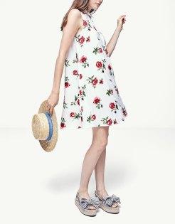 https://www.stradivarius.com/fr/femme/soldes/vêtements/robes/robe-chemise-fleurs-c1390555p300338065.html?colorId=004