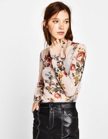 https://www.bershka.com/fr/femme/soldes/tee-shirts/t-shirt-en-tulle-imprimé-c1010194038p101265029.html?colorId=251