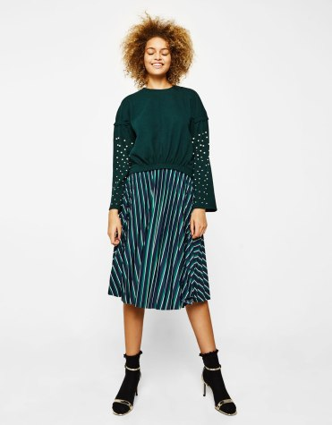 https://www.bershka.com/fr/femme/soldes/sweat-shirts/pull-en-maille-avec-perles-c1010194042p101302505.html?colorId=594