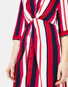 https://www.bershka.com/fr/robe-chemise-à-rayures/robe-chemise-à-rayures-c1010281505p101472011.html?colorId=600