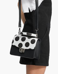 https://www.stradivarius.com/fr/sac-cartable-imprimé-pois-c0p300607550.html?colorId=001