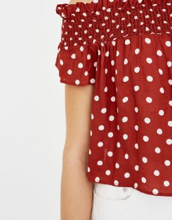 https://www.pullandbear.com/fr/top-pois-encolure-bardot-c0p500798020.html?search=pois&page=1#701